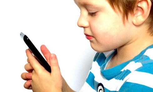 I giovani sempre più online, fra social, quiz e gaming